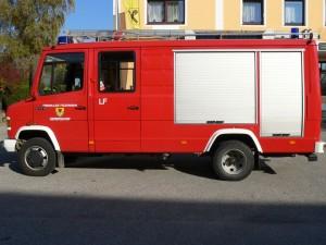 LF Funkrufname: Pumpe Gerersdorf Hersteller: Lohr Marke: Mercedes Baujahr: 1991 Type: 614 Gesamtgewicht: 12t Antriebsart: Diesel Leistung: 100KW/136PS Besatzung: 1/8