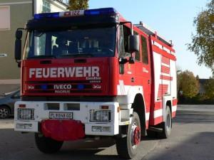 TLF-A 4000/300 Funkrufname: Tank Gerersdorf Hersteller: Lohr-Magirus Marke: Iveco Baujahr: 2001 Type: Eurofire Gesamtgewicht: 18t Antriebsart: Diesel Leistung: 259kw/340PS Besatzung: 1/8